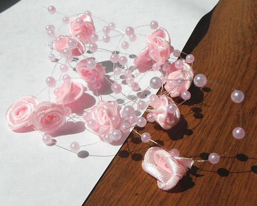 Materiál k tvoření - růžičky na silonu