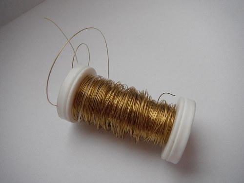 Materiál k tvoření - drátek na cívce