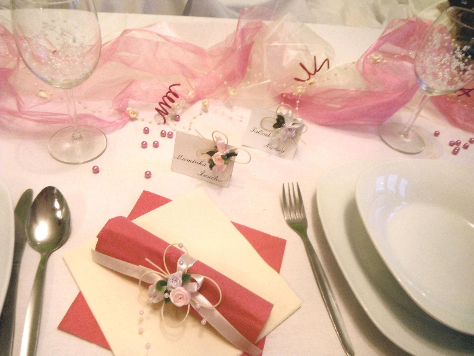 Sada k dekoraci svatebního stolu- malinová motýlí - Obrázek č. 4