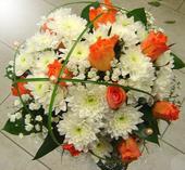svatební kytice - růže, chryzantémy,