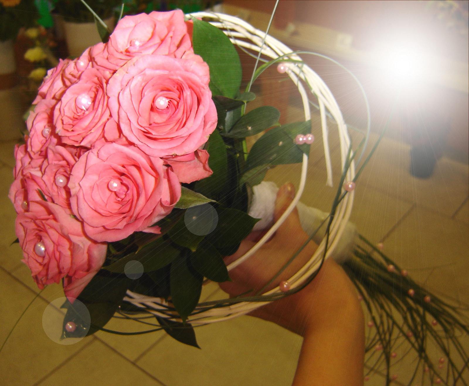Svatební kytice růžové růže - Obrázek č. 1