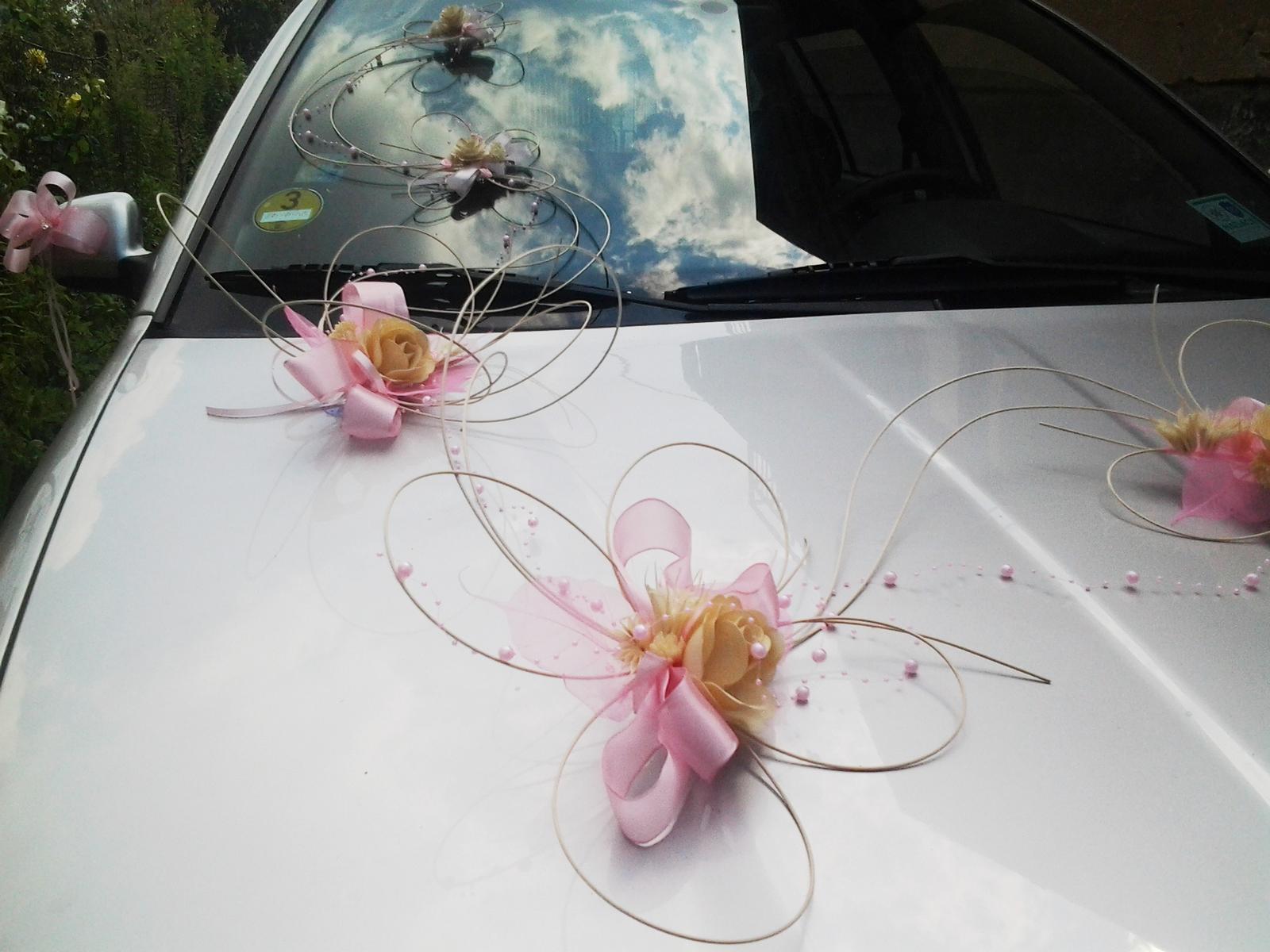 dekorace na auto- pink romantic - Obrázek č. 1