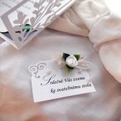 Pozvánka ke svatební mu stolu -ornament a mašlička,
