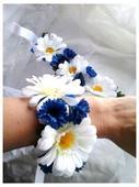 náramek z látkových květin