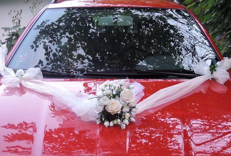 """Svatební auto - """"Bílé a krémové růže """" - Obrázek č. 1"""