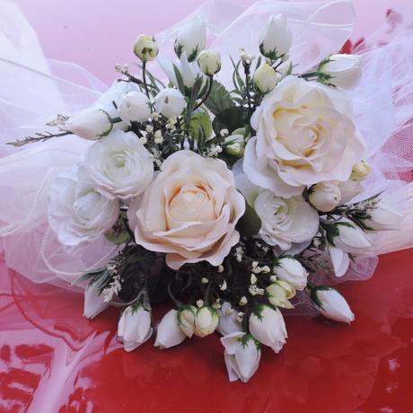 """Svatební auto - """"Bílé a krémové růže """" - Obrázek č. 2"""