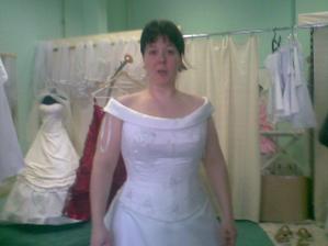 šaty, ktoré som skúšala v salone