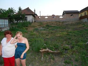 Náš pozemok, urobili sme trošku zmenu terénu, lebo sme chceli bungalov.