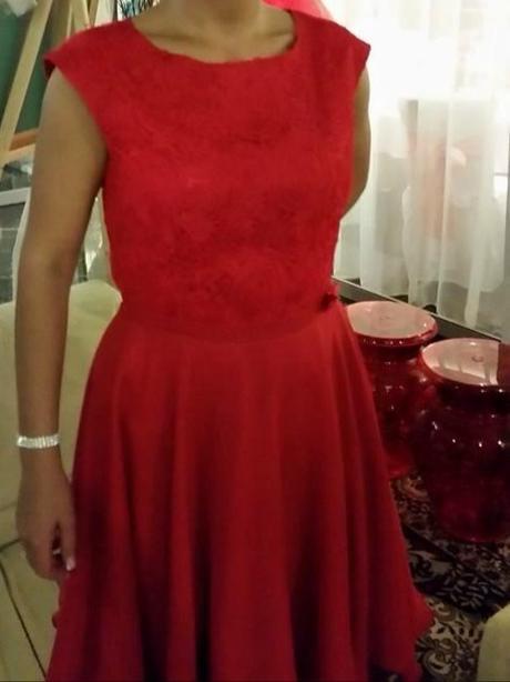 Červené šaty - Obrázok č. 3