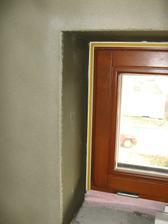 Okna (3) - špalety zapravené omítkou a lišta kolem oken