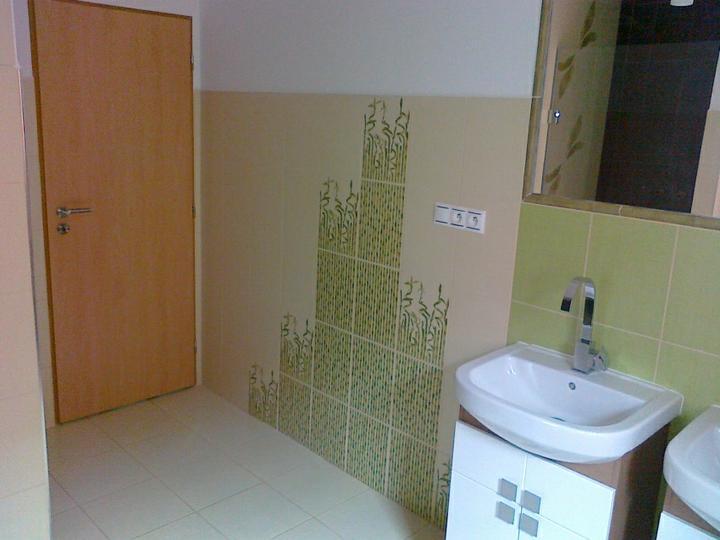 Podkroví - koupelna - pro renatajjj - to je fotka z 2. koupelny a myslím, že to je ta baterie, na kterou jsi se ptala.