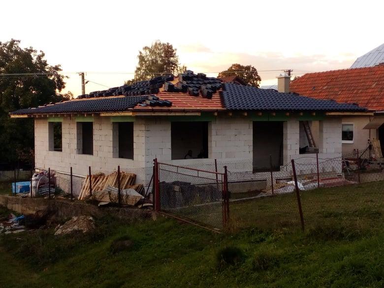 Naše nové bývanie - škridla zn. Tondach Samba 11