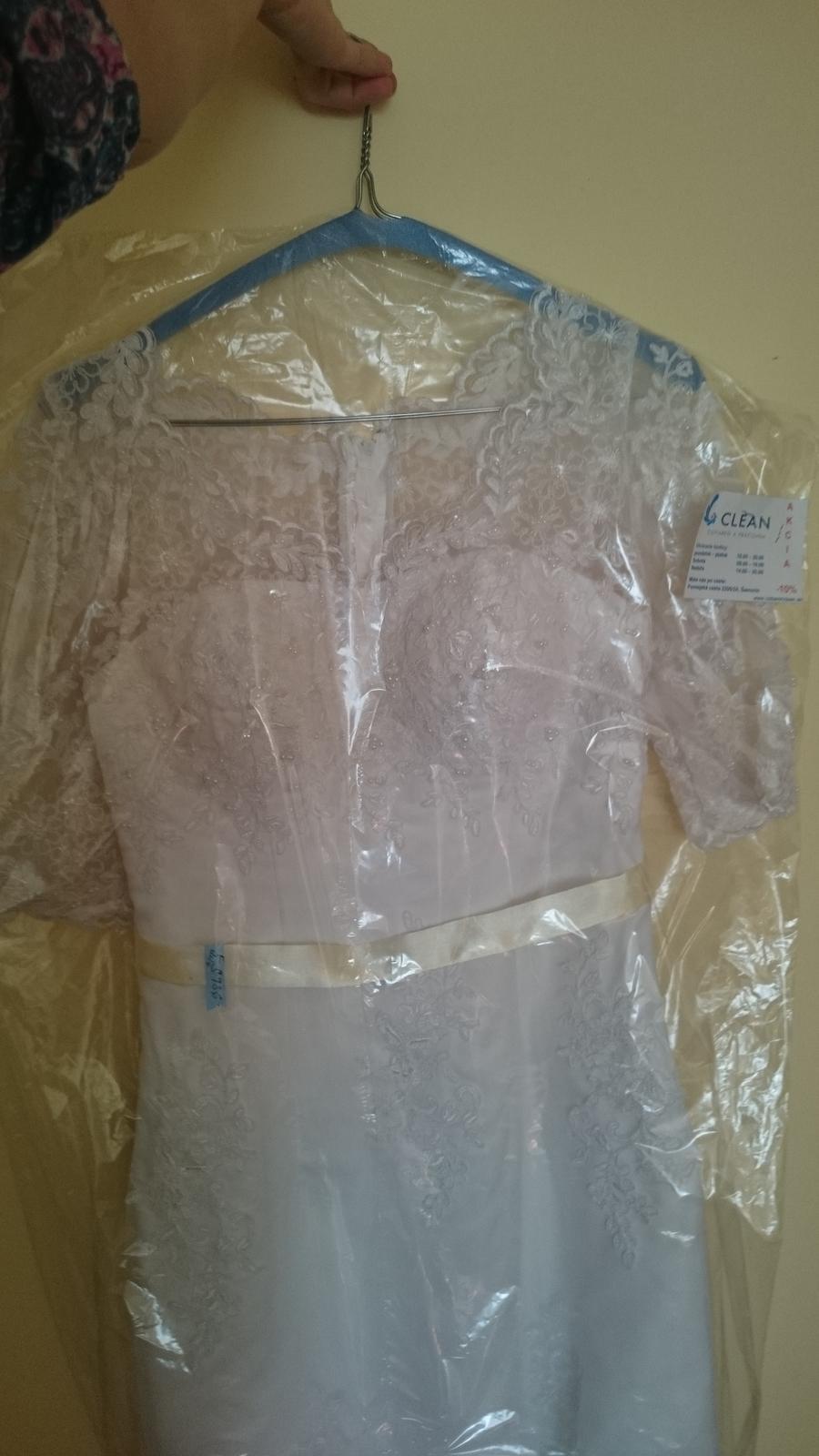 Romantické krajkové svadobné šaty s 3/4 rukávom - Obrázok č. 1