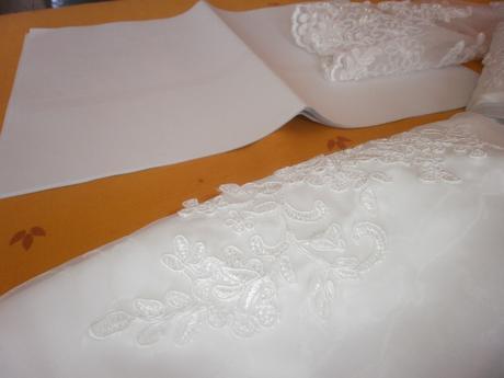 Romantické krajkové svadobné šaty s 3/4 rukávom - Obrázok č. 3