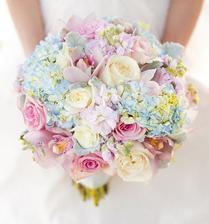 v takovem stylu budou veskere kytice a svatebni vyzdoba :) proste pastelova jarni svatba