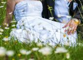 Snehovo-biele svadobné šaty , 38