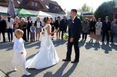 Svatební šaty z hedvábného taftu, 34