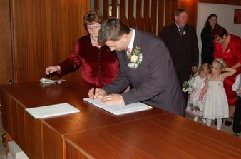 Podpis ženicha............