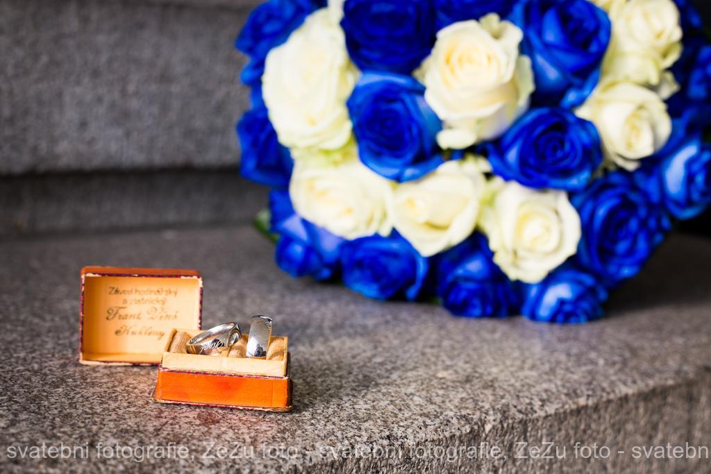 Hanka {{_AND_}}Honza - Krabička na prstýnky po prababičce, která se vdávala 19.9.1939