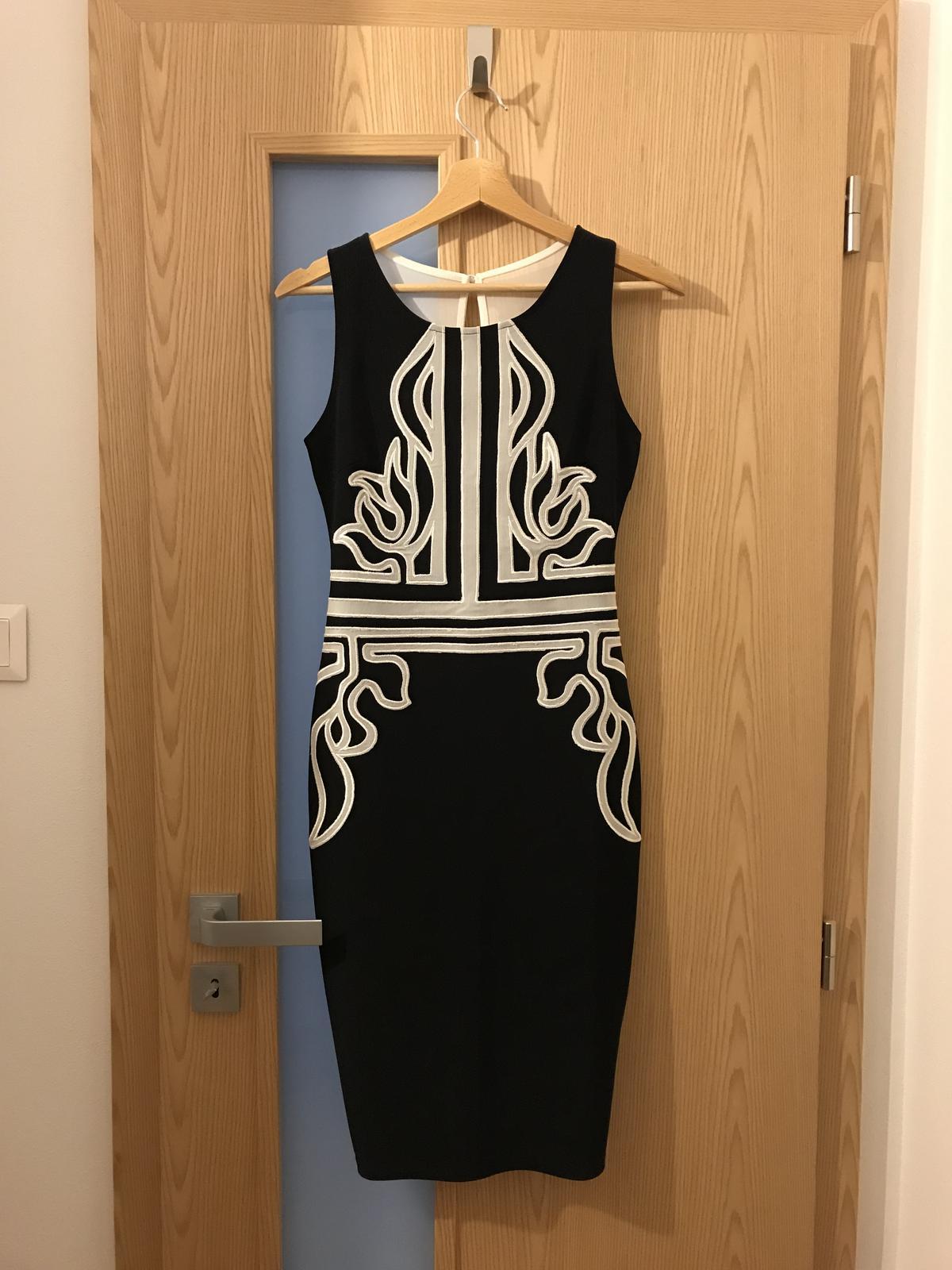 Midi šaty s ornamentami - Obrázok č. 3
