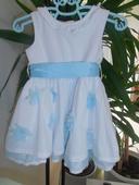 Společenské šaty se světle modrou stuhou, 74