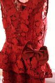 Čipkované bordové šaty, 34