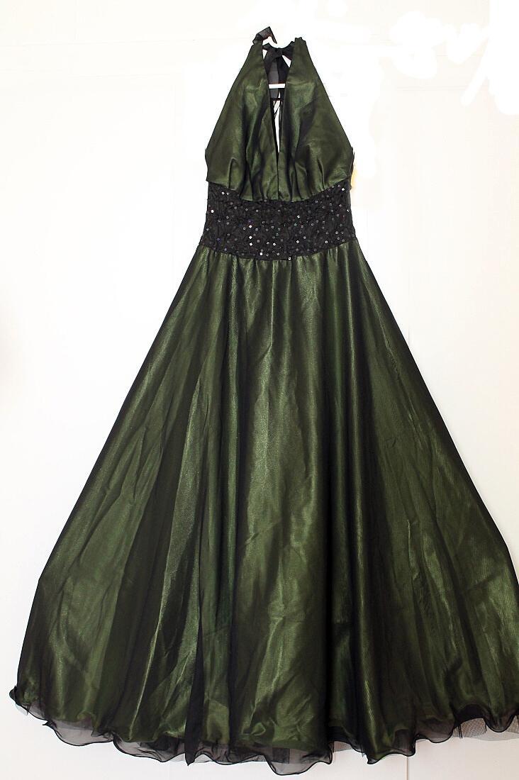 Dlhé elegantné spoločenské šaty - Obrázok č. 2