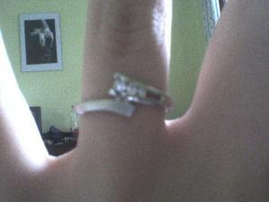 zásnubní prstýnek :o)