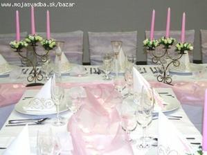 slavnostni stůl pokud budu mit růžove šaty