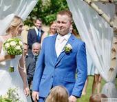 Svatebni oblek sytě modrý , 52