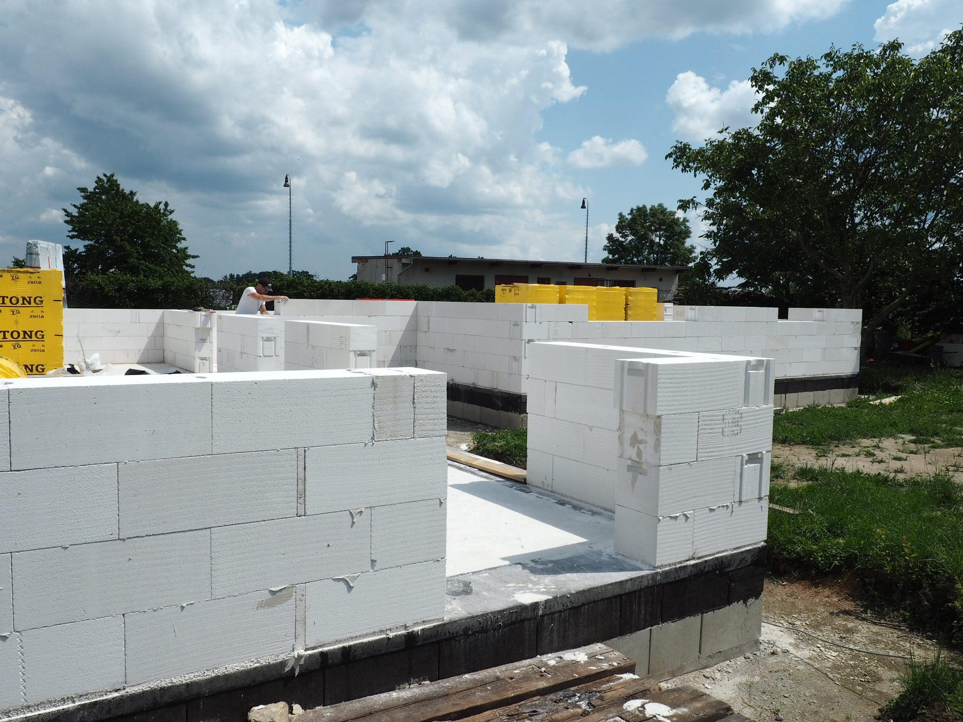 Dům do L - stavba 2020/2021 - Obrázek č. 25