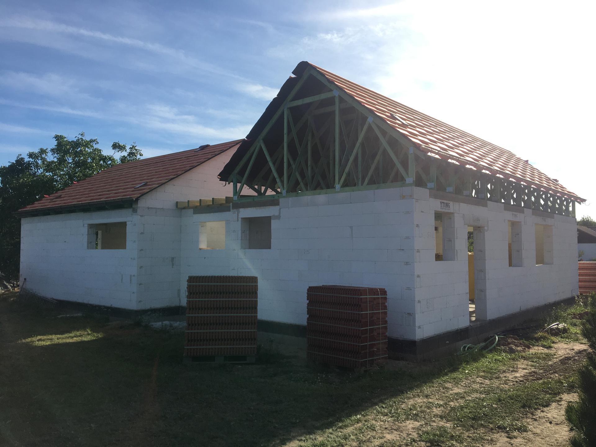 Dům do L - stavba 2020/2021 - 22.7.2020 Vylaťováno