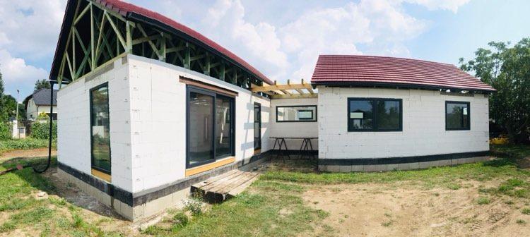 Dům do L - stavba 2020/2021 - Panorama pohled