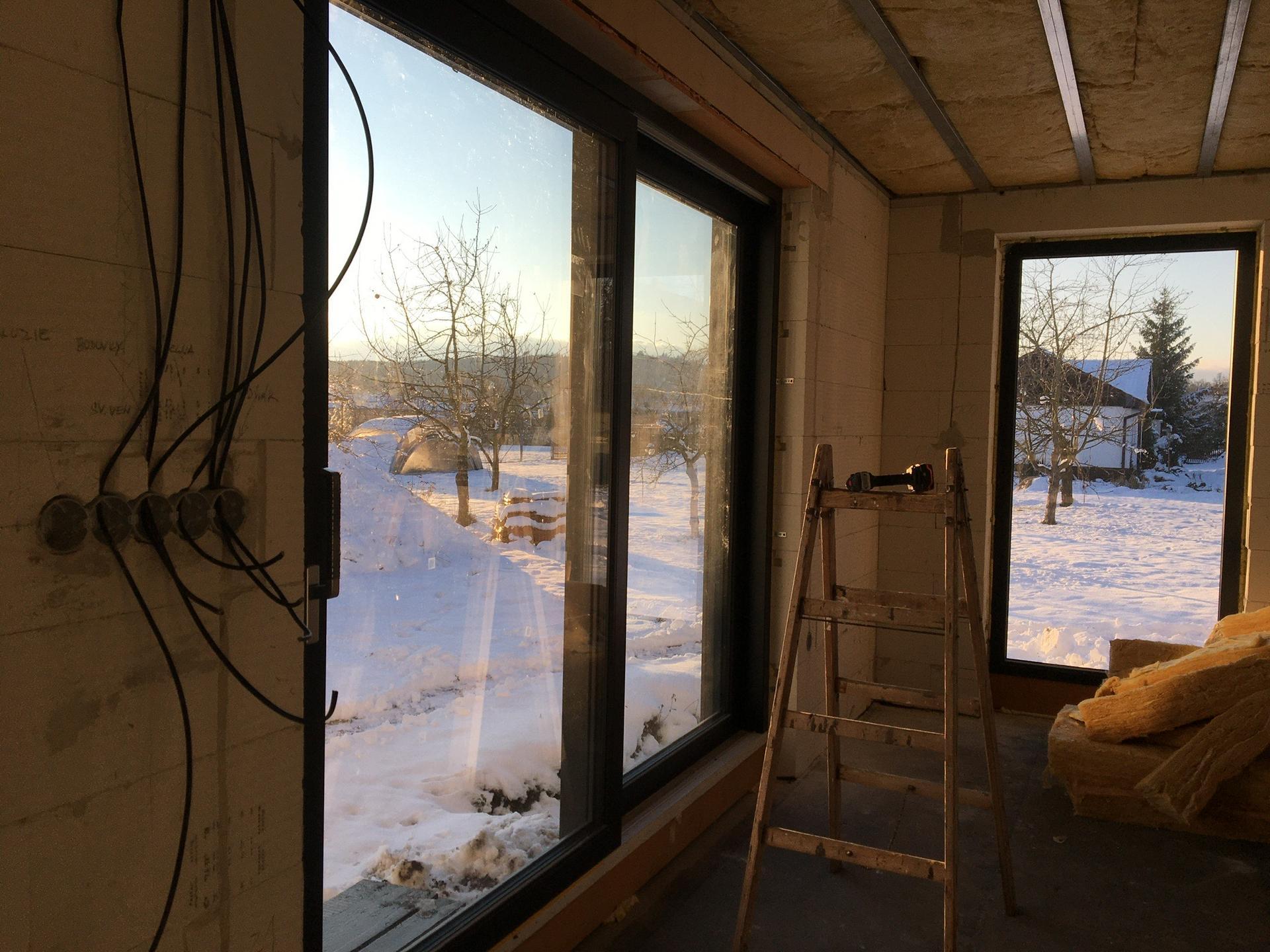 Dům do L - stavba 2020/2021 - Leden 2020 - zavatované stropy a rozvody elektřiny