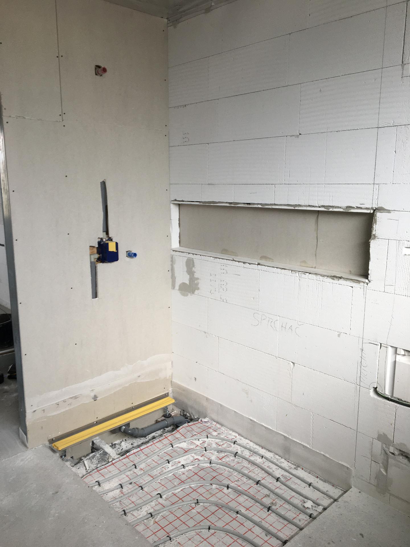Dům do L - stavba 2020/2021 - Příprava niky v koupelně
