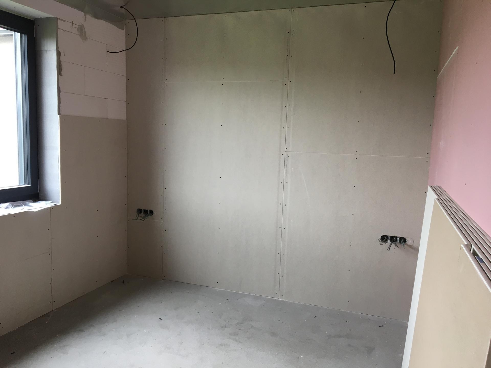 Dům do L - stavba 2020/2021 - Zaklopené pokoje