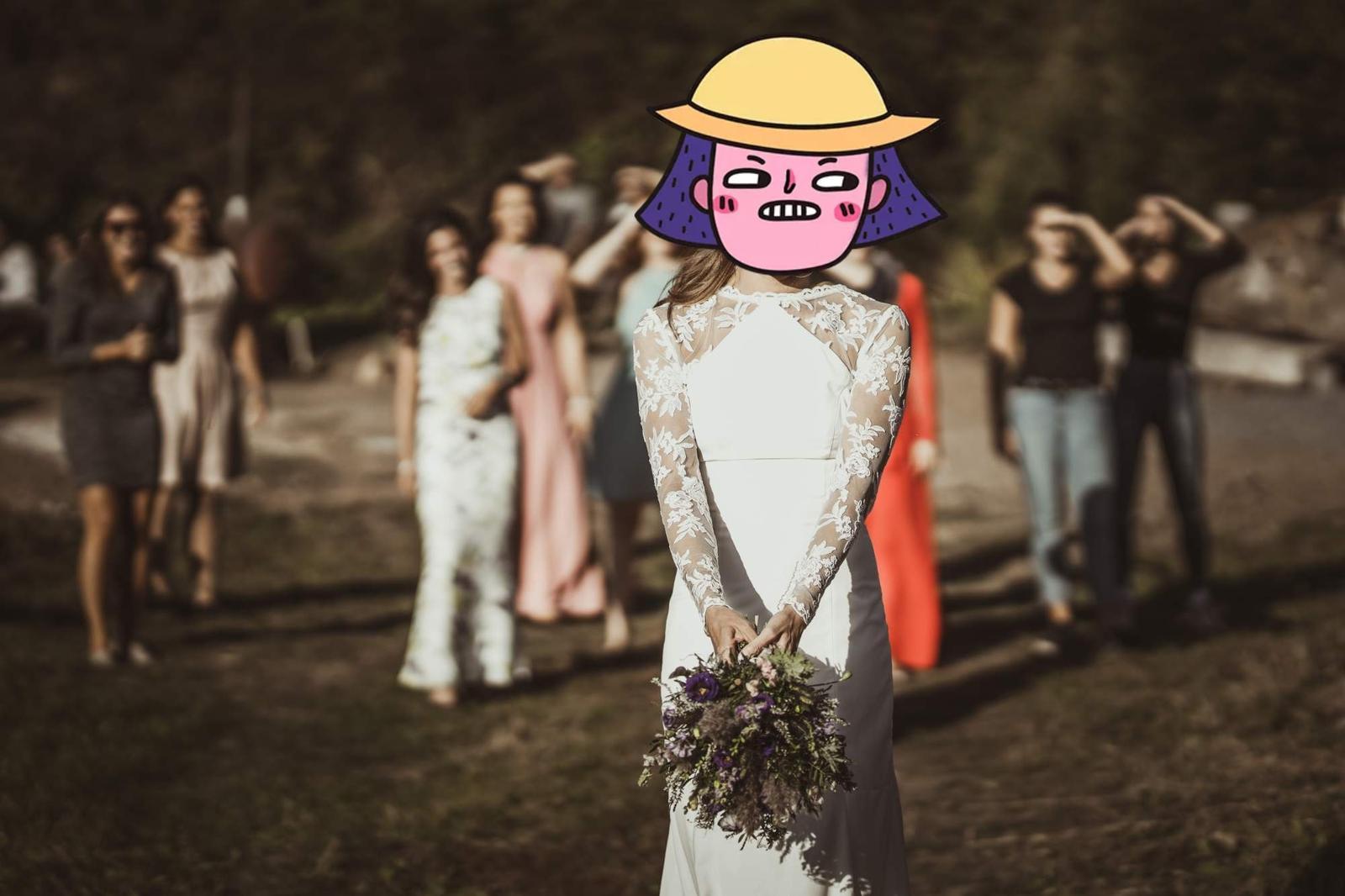svatební šaty s krajkou na zádech - Obrázek č. 3