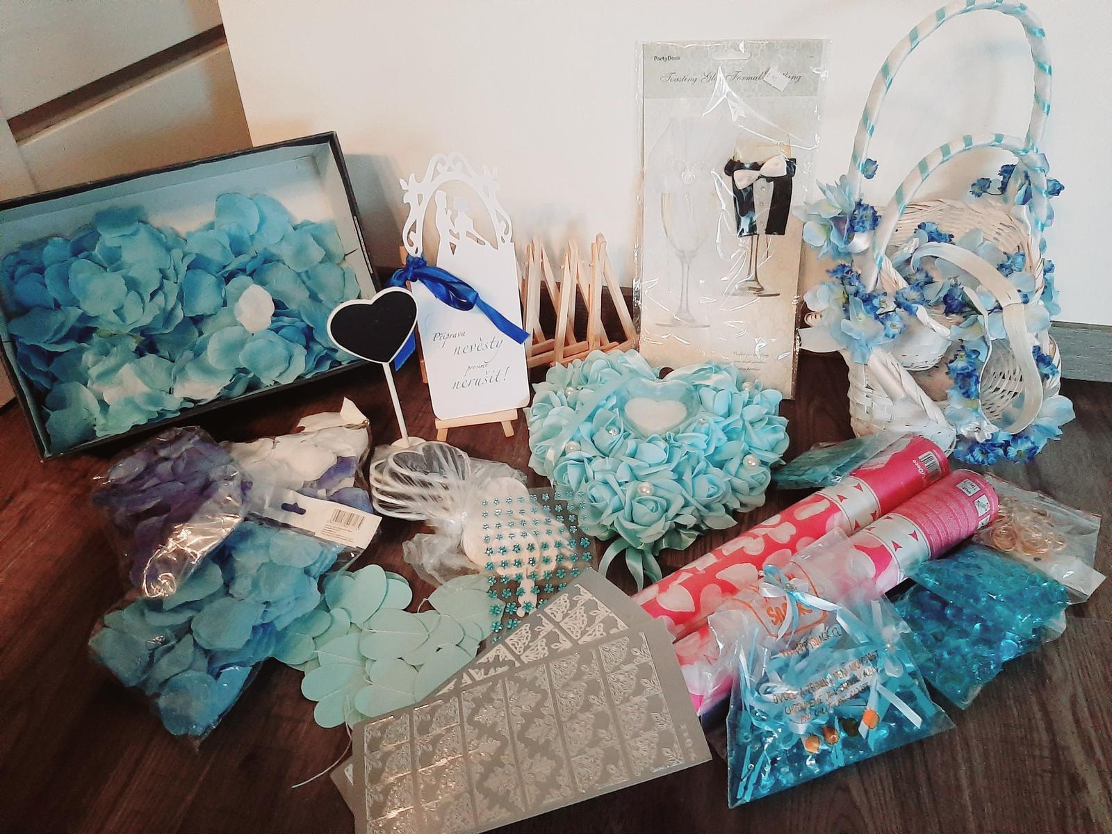 dekorace pro modro bilou  svatbu - Obrázek č. 1