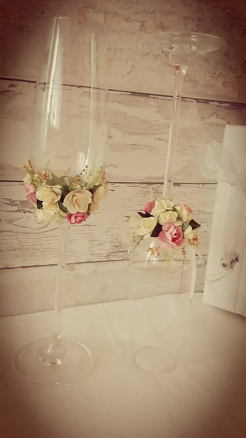 Moje predstavy :) - svadobné poháre? najviac pokukujem po týchto, majú ich na sashe :)