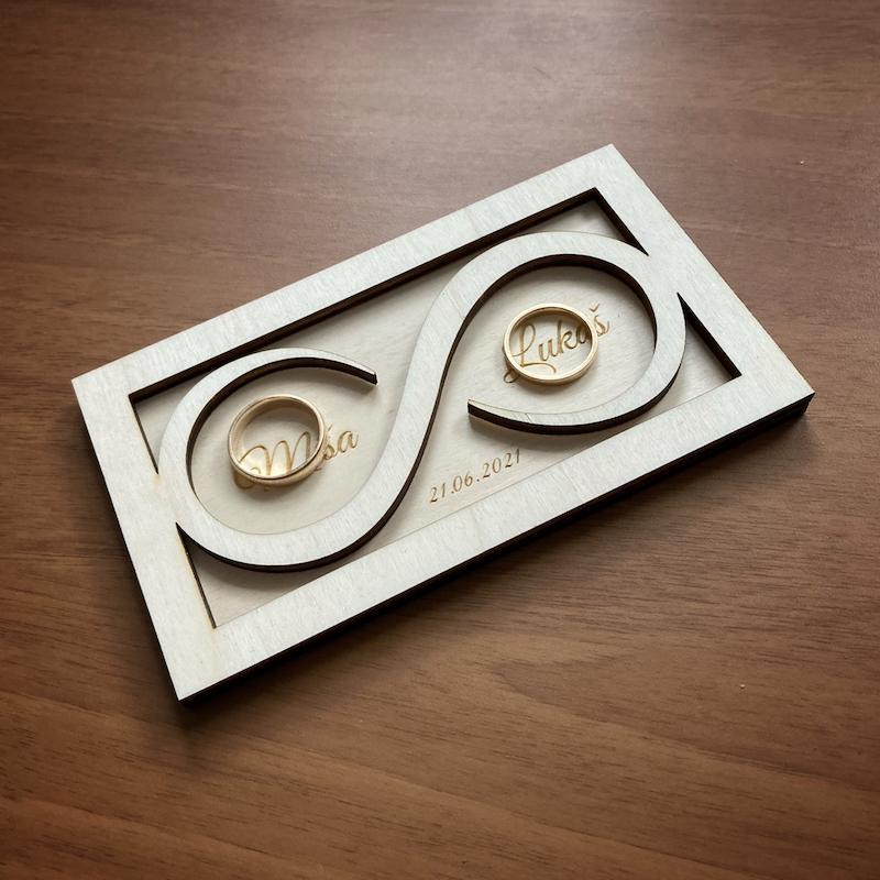 Dřevěné krabičky a podnosy na prstýnky - Obrázek č. 4