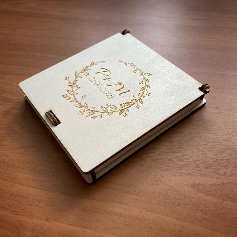 Dřevěná krabička na snubní prstýnky - Obrázek č. 1