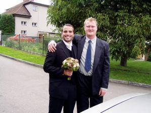 svědek ženicha a můj manžel