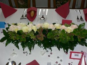 květinová výzdoba stolu...