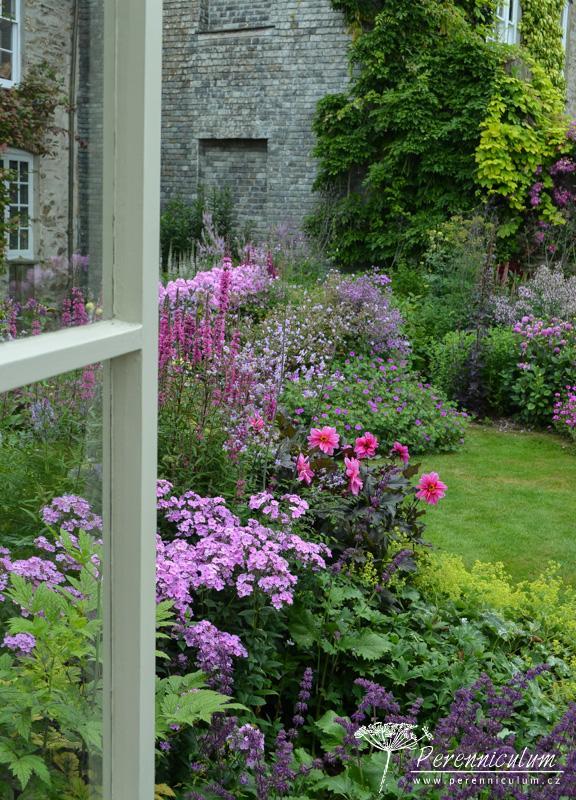 Zahrada - inspirace - takový pohled z okna bych si nechala líbit
