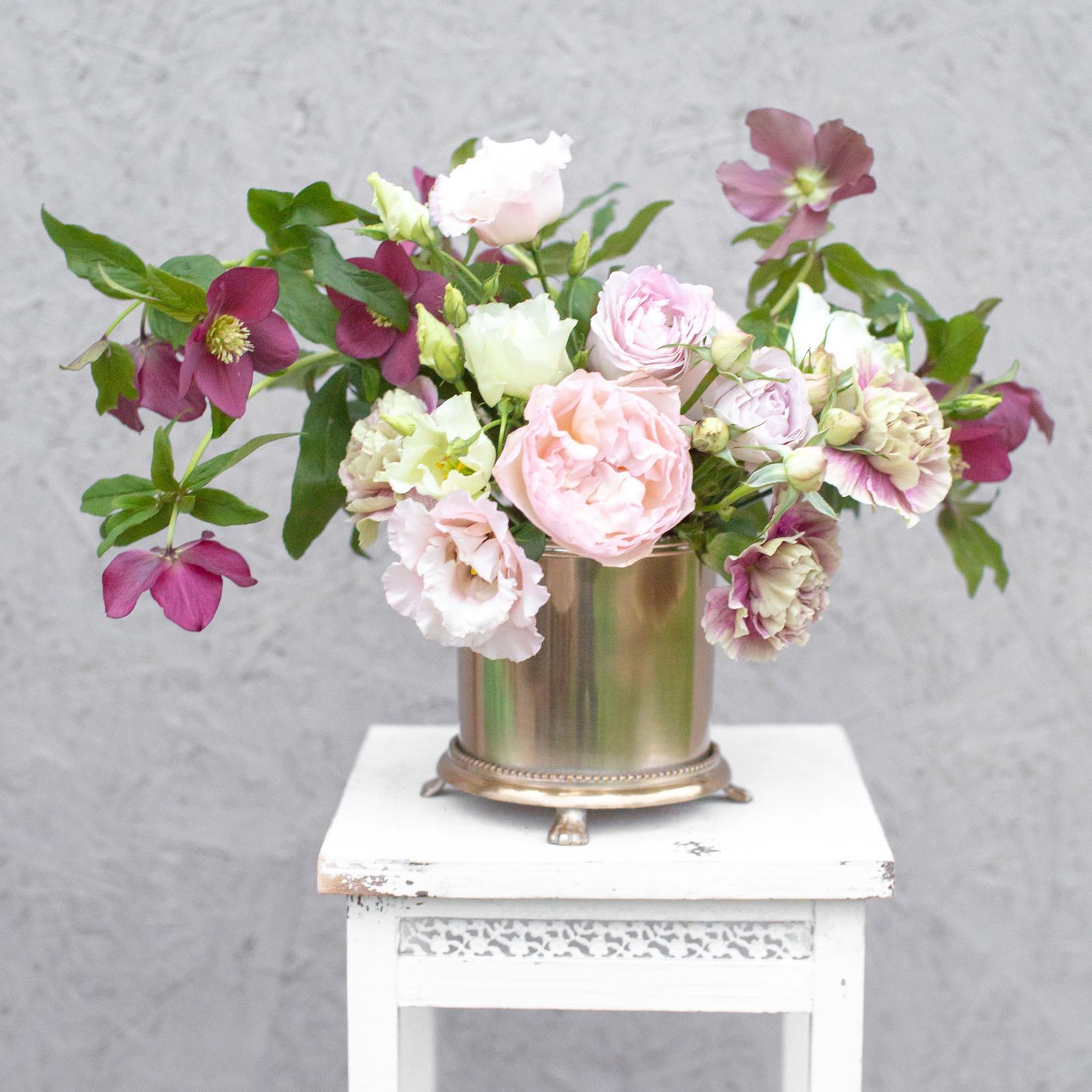 Mosadzné nádoby na kvetinové aranžmány (prenájom) - Obrázok č. 1