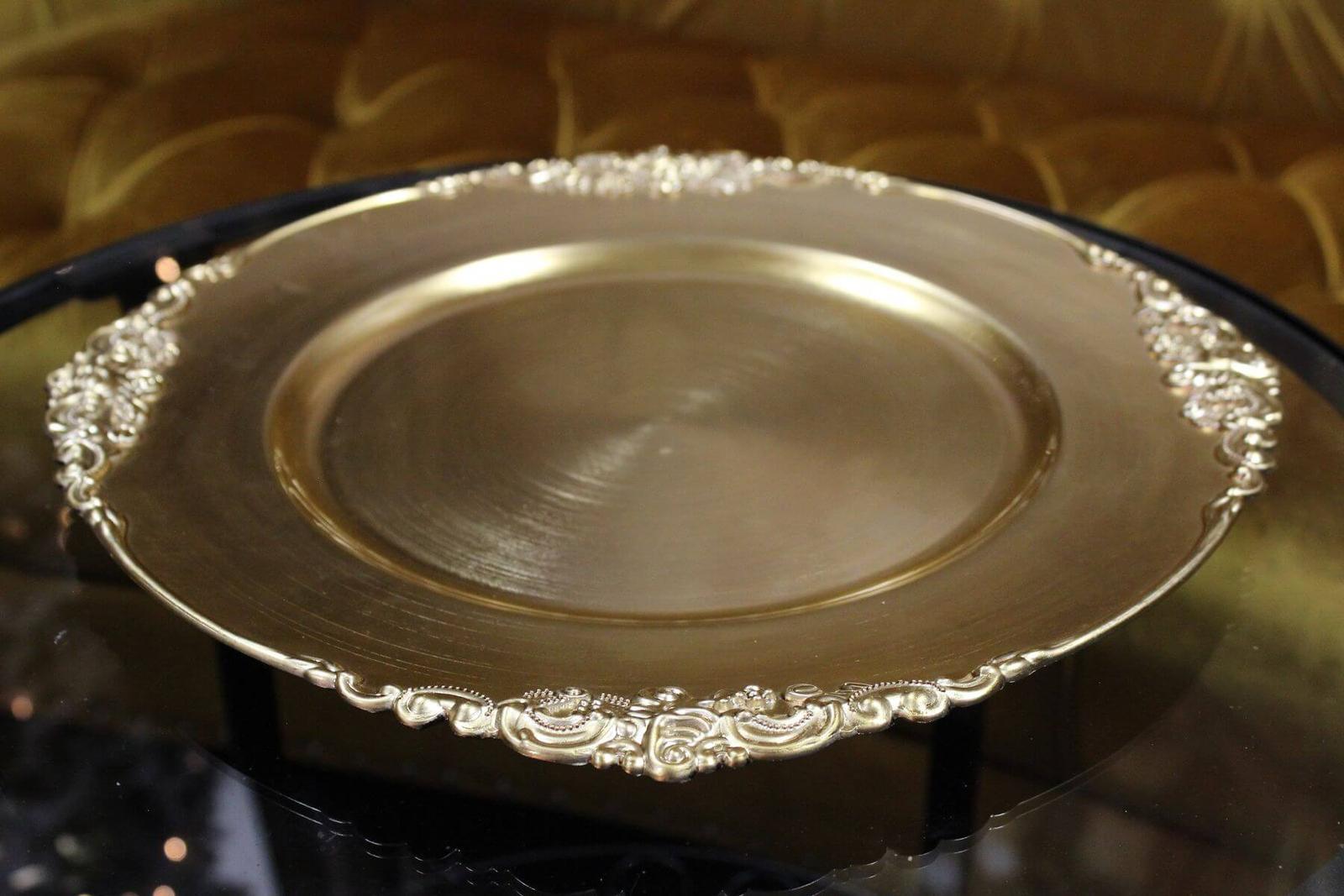 Klubové taniere s ornamentom (prenájom) - Obrázok č. 1