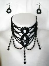 svatební šperky v bílé perle, rozhoduji se, který zvolím k šatům