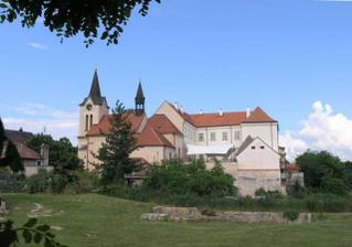 Chvalsky zamek - misto obradu
