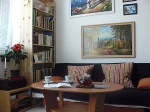 Náš obývák, jídelna a kuchyň.