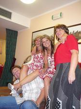 To je partička-kamarádka Peťula,já a moje maminka